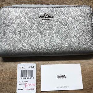 Coach Wallet NWT, Silver Metallic